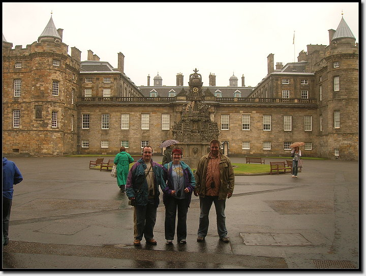 Schietwetter am Palace of Holyroodhouse